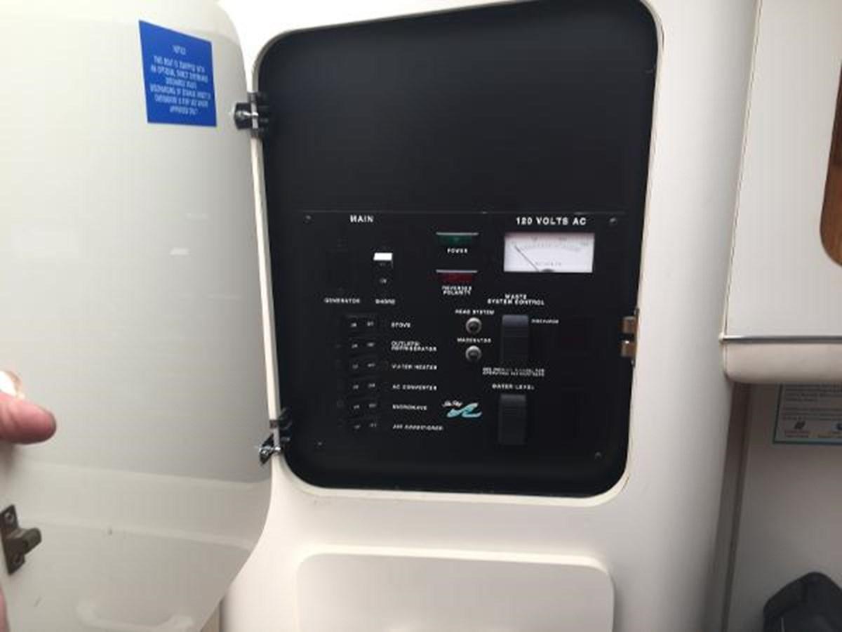 Sea Ray Electrical Panel 1996 SEA RAY 300 Sundancer Cruiser 2817017