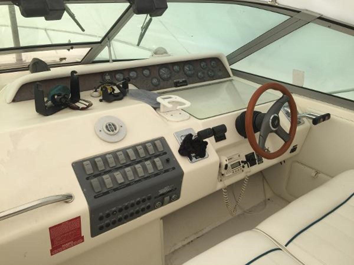 Sea Ray Pilot Dash 1996 SEA RAY 300 Sundancer Cruiser 2817021