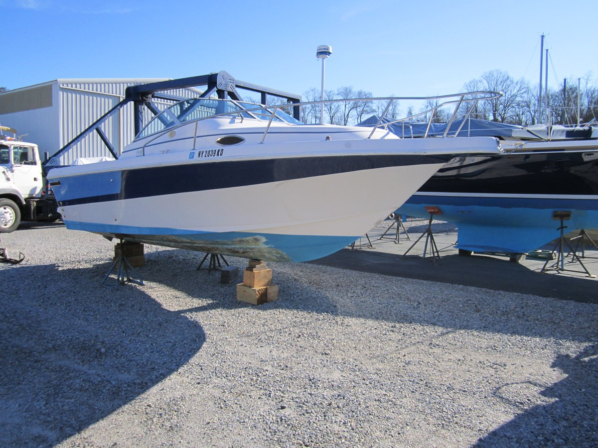 2130786f591c3688cacdabcdccb2136d 1993 Pro Line 220 Cuddy Cabin Runabout 2816979