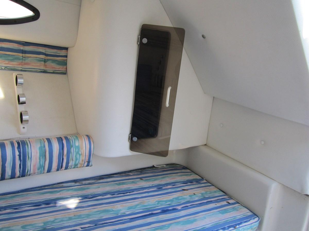 7792d0183107840839a945b52e4e0b7a 1993 Pro Line 220 Cuddy Cabin Runabout 2816982