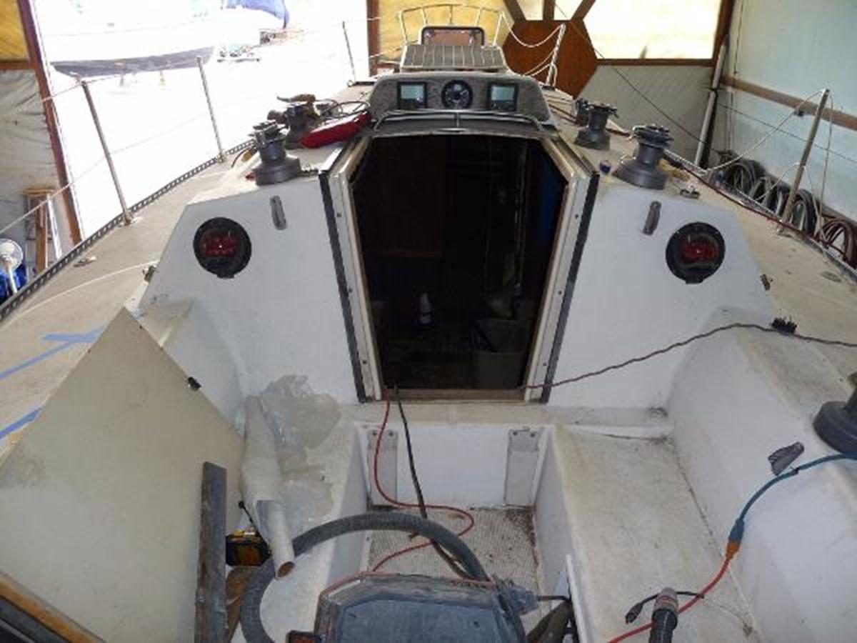 Pursuit Cockpit 1985 S2 YACHTS 9.1 Racing Sailboat 2817299