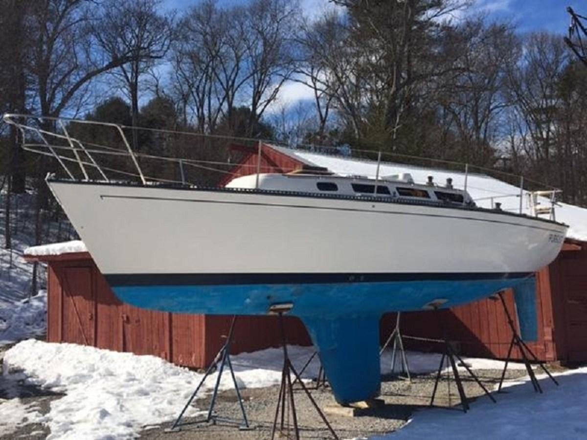 Pursuit Port Side 1985 S2 YACHTS 9.1 Racing Sailboat 2822706
