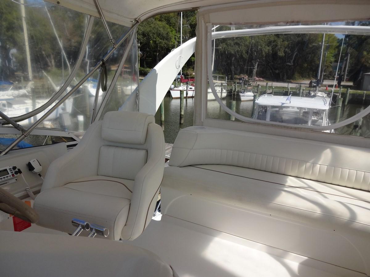 3585 Cruisers Yacht Lee's Ur Tyme 007 1998 Cruisers Yachts 35 Motor Yacht 2817259