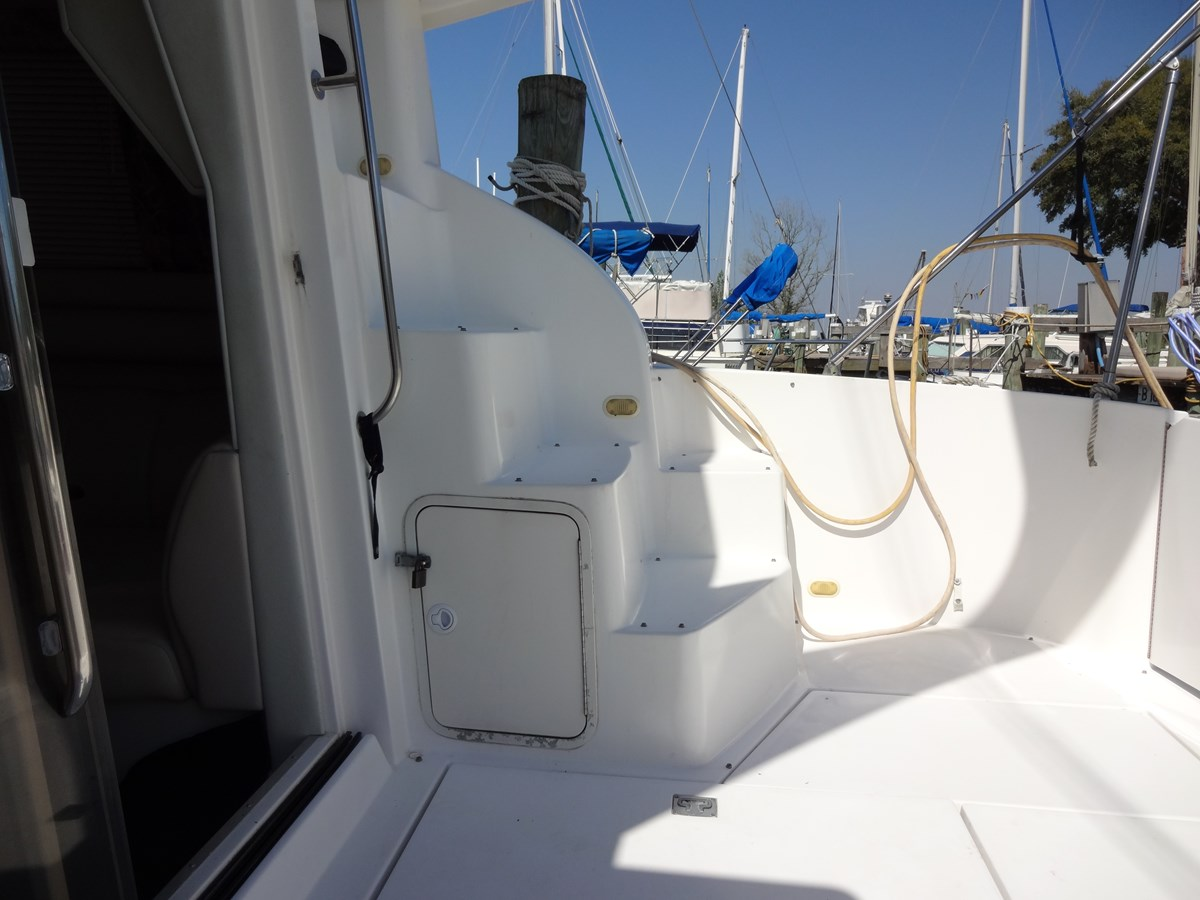 3585 Cruisers Yacht Lee's Ur Tyme 017 1998 Cruisers Yachts 35 Motor Yacht 2817274