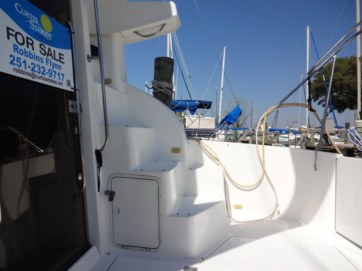3585 Cruisers Yacht Lee's Ur Tyme 019 1998 Cruisers Yachts 35 Motor Yacht 2817505