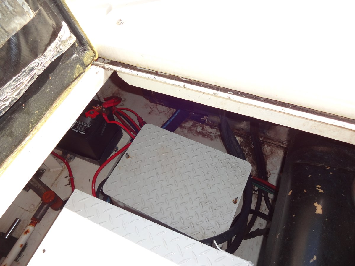 3585 Cruisers Yacht Lee's Ur Tyme 059 1998 Cruisers Yachts 35 Motor Yacht 2817571