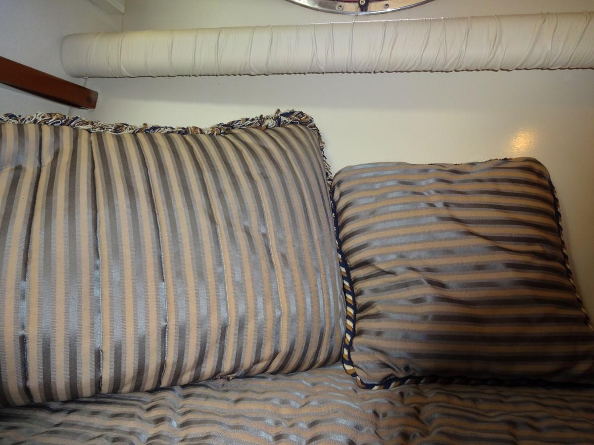3585 Cruisers Yacht Lee's Ur Tyme 121 1998 Cruisers Yachts 35 Motor Yacht 2817606