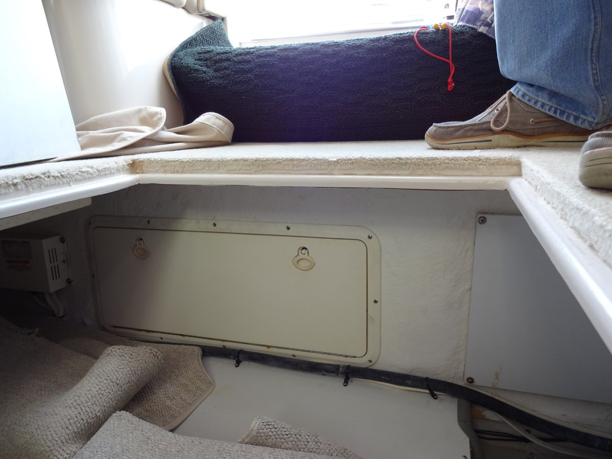 3585 Cruisers Yacht Lee's Ur Tyme 149 1998 Cruisers Yachts 35 Motor Yacht 2817625