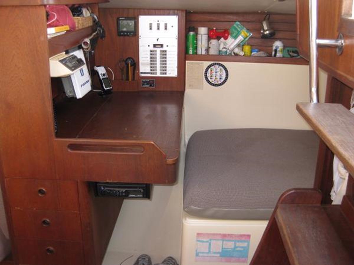 CS 36 Chart Table 2 1980 CS YACHTS 36 Sloop 2818924
