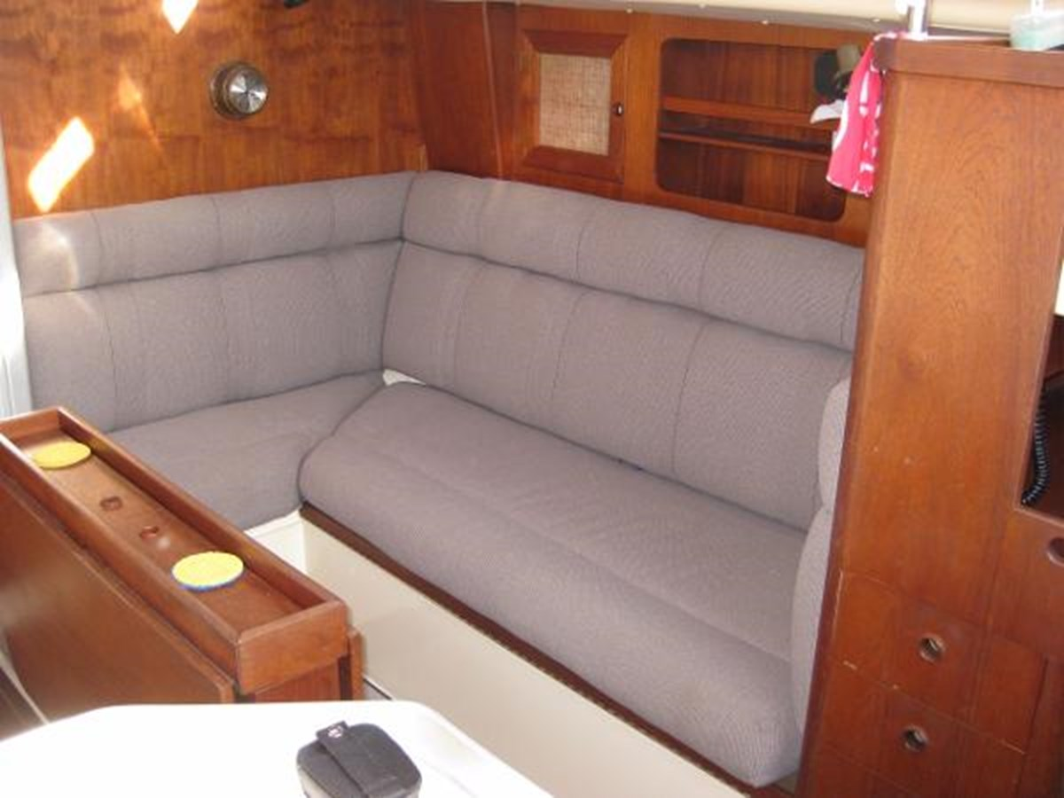 CS 36 Couch 1980 CS YACHTS 36 Sloop 2821459
