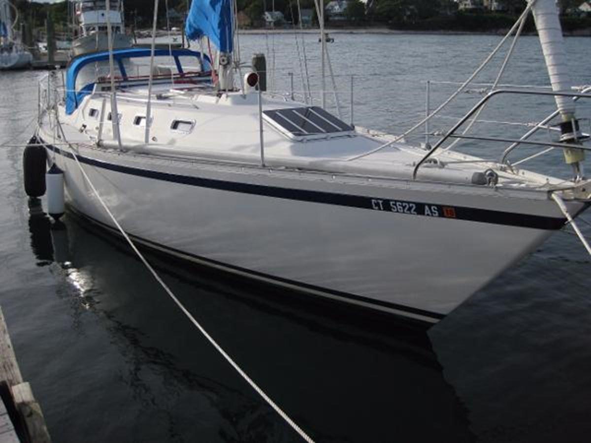 CS 36 Starboard Side 1980 CS YACHTS 36 Sloop 2821481