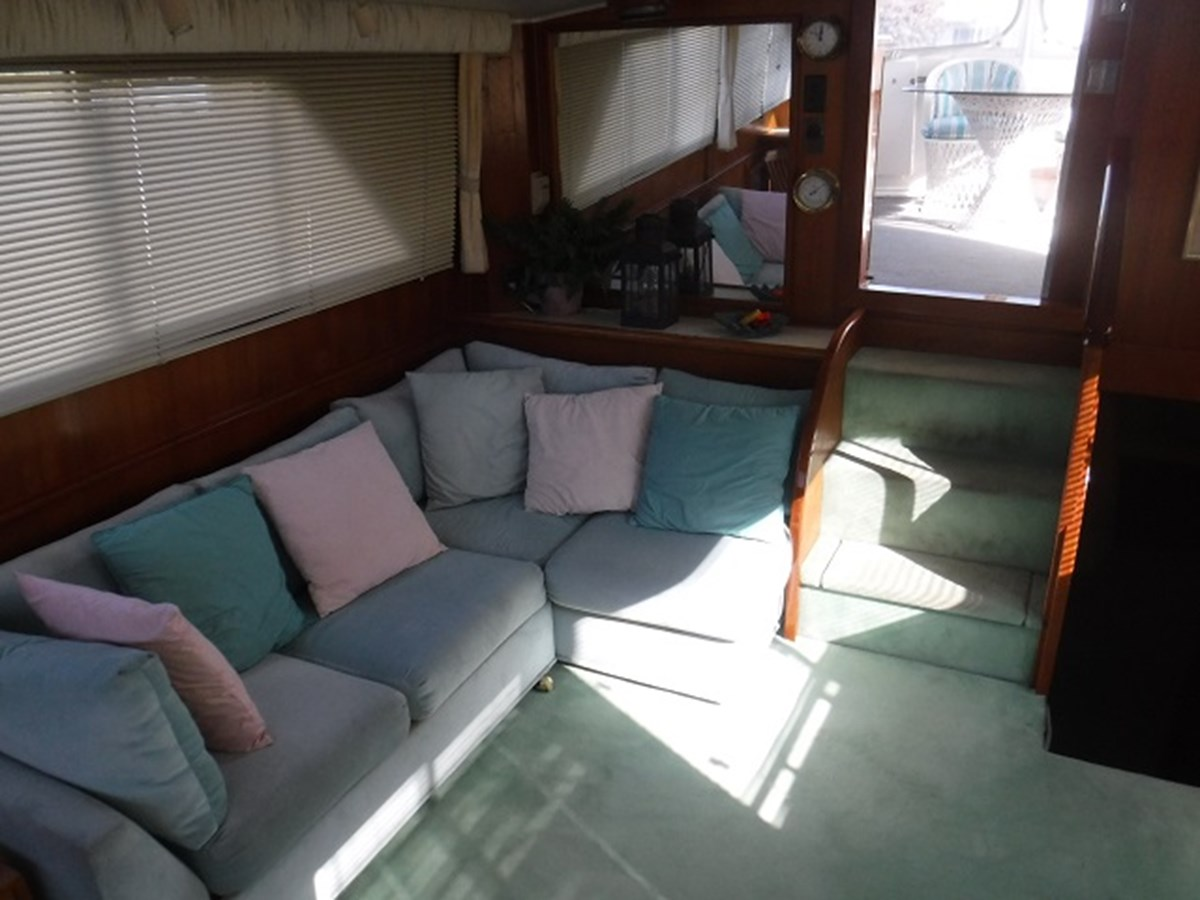 18.salon4 1989 CARVER Californian 45 Motor Yacht Motor Yacht 2819384