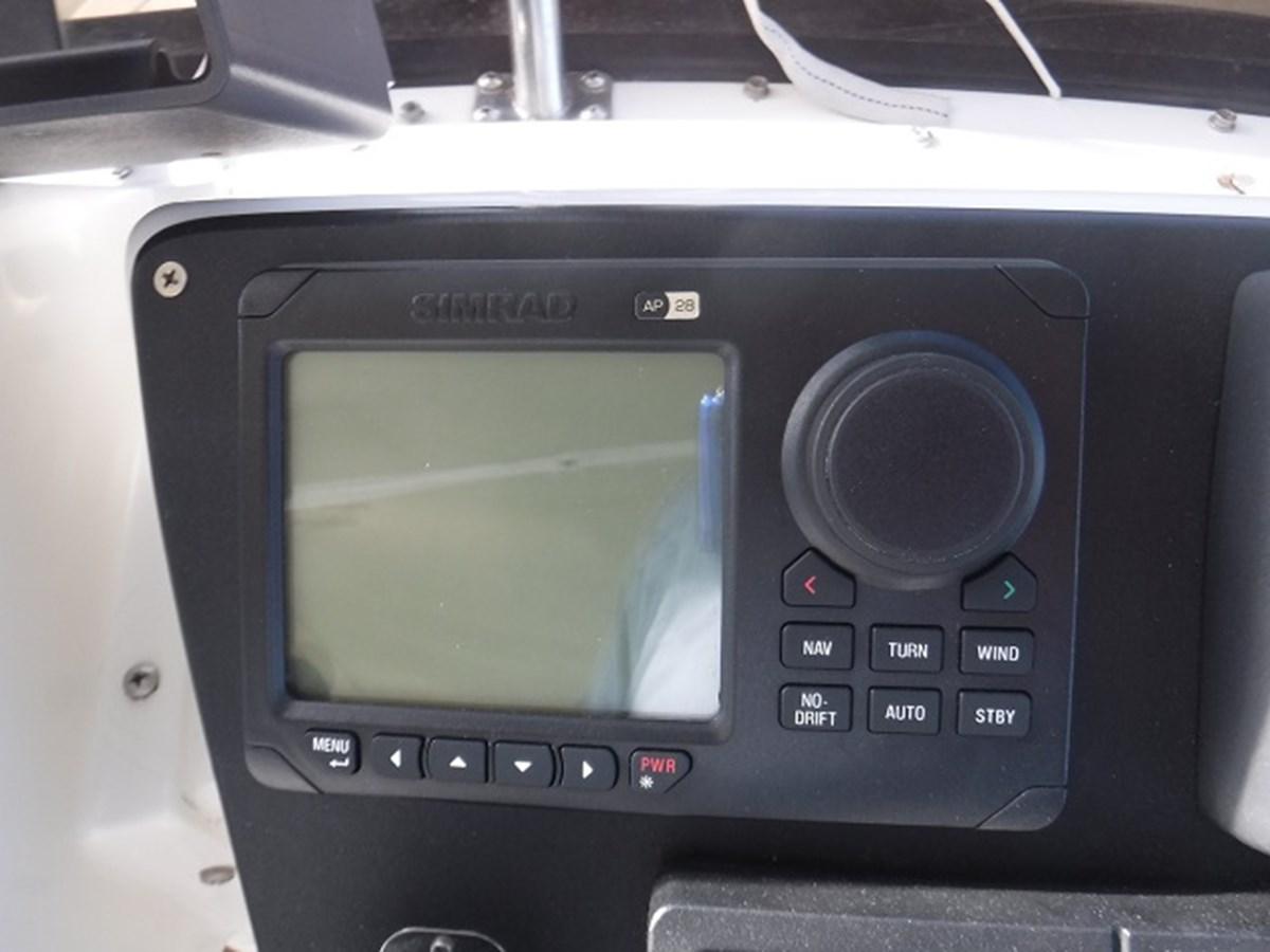 43.electronics2 1989 CARVER Californian 45 Motor Yacht Motor Yacht 2819409