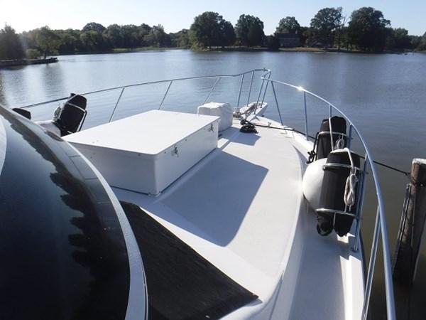 7.ForwardDeck 1989 CARVER Californian 45 Motor Yacht Motor Yacht 2819373