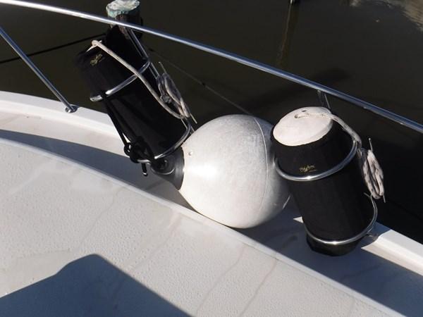 13.Fenders Starboard 1989 CARVER Californian 45 Motor Yacht Motor Yacht 2819379