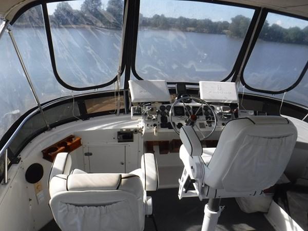 38.Bridge 1989 CARVER Californian 45 Motor Yacht Motor Yacht 2819404