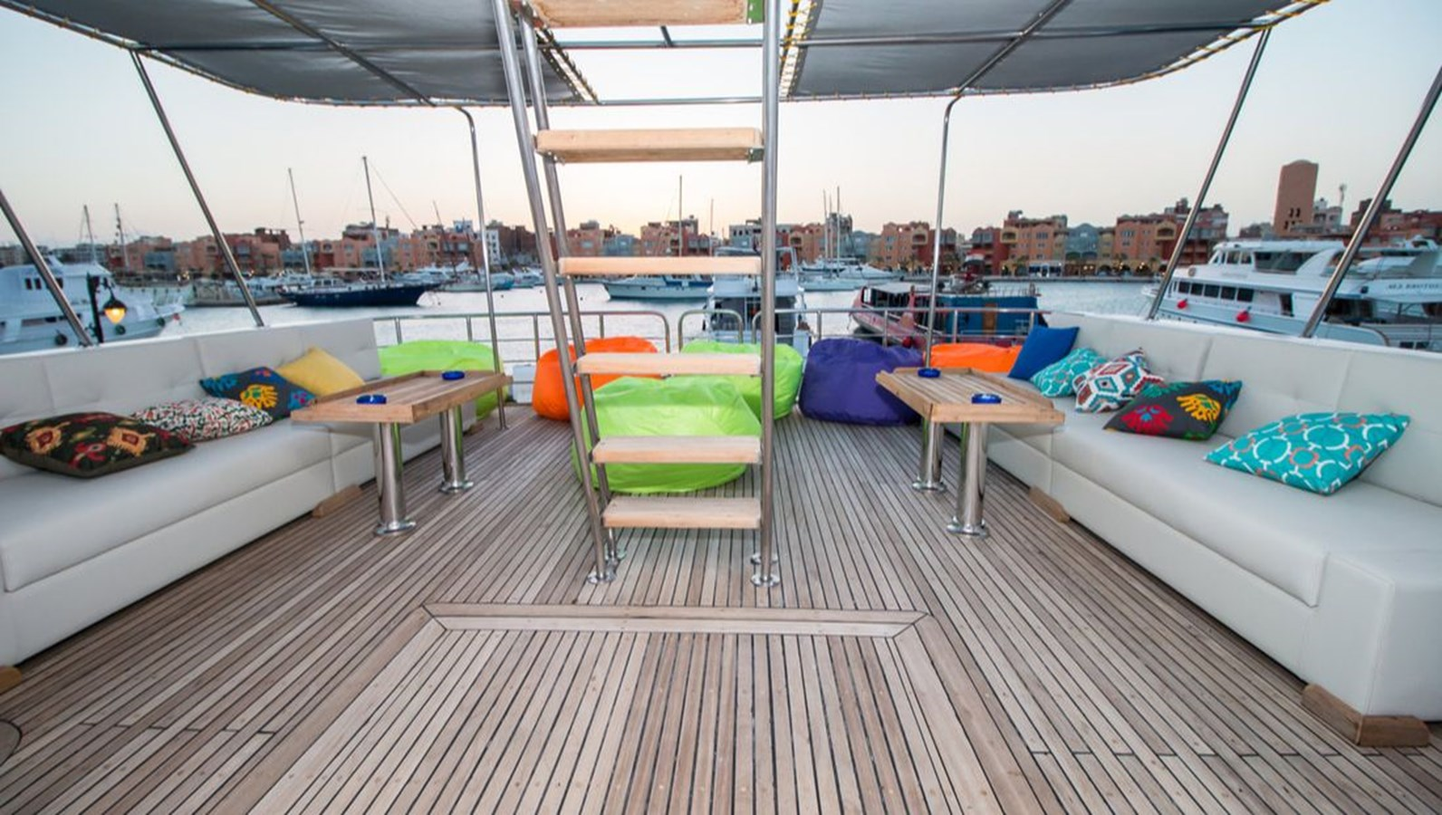 2015 CUSTOM  Motor Yacht 2820541