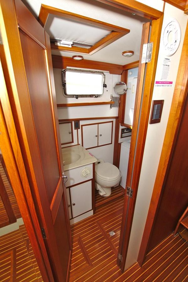 7308600_20200117094000968_1_XLARGE 2002 GRAND BANKS 46 Classic Trawler 2821937