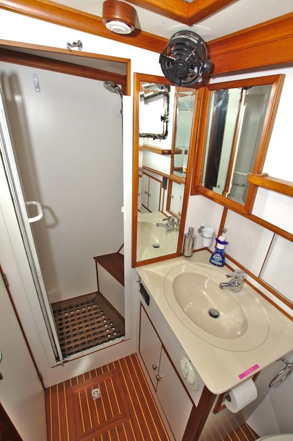 7308600_20200117094007508_1_XLARGE 2002 GRAND BANKS 46 Classic Trawler 2821939