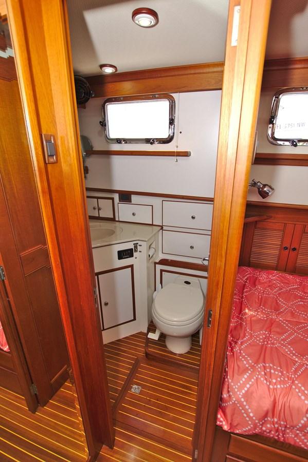 7308600_20200117094021715_1_XLARGE 2002 GRAND BANKS 46 Classic Trawler 2821945