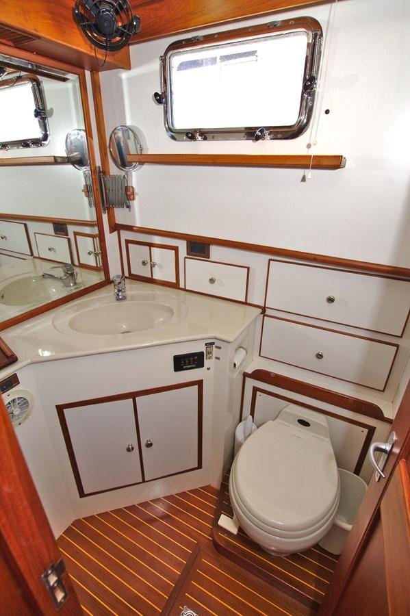 7308600_20200117094023491_1_XLARGE 2002 GRAND BANKS 46 Classic Trawler 2821946
