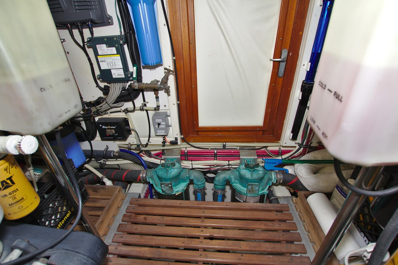 7308600_20200117094043092_1_XLARGE 2002 GRAND BANKS 46 Classic Trawler 2821958
