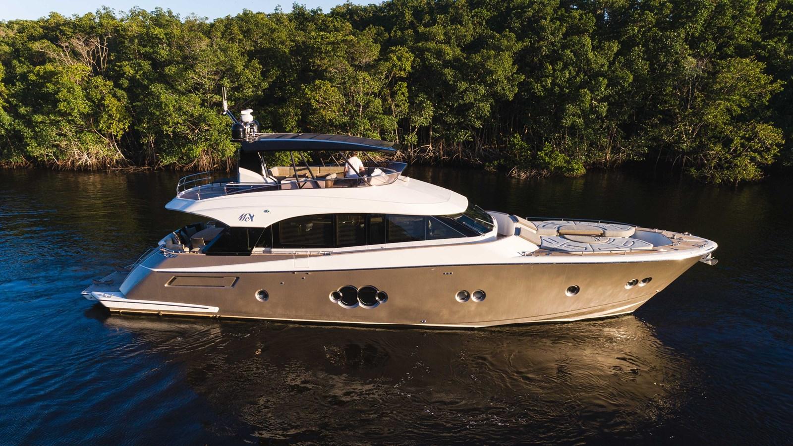 76 Monte Carlo (11 of 127) 2014 MONTE CARLO YACHTS Motoryacht Motor Yacht 2824964