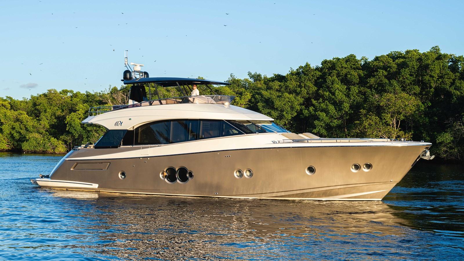 76 Monte Carlo (63 of 127) 2014 MONTE CARLO YACHTS Motoryacht Motor Yacht 2825002