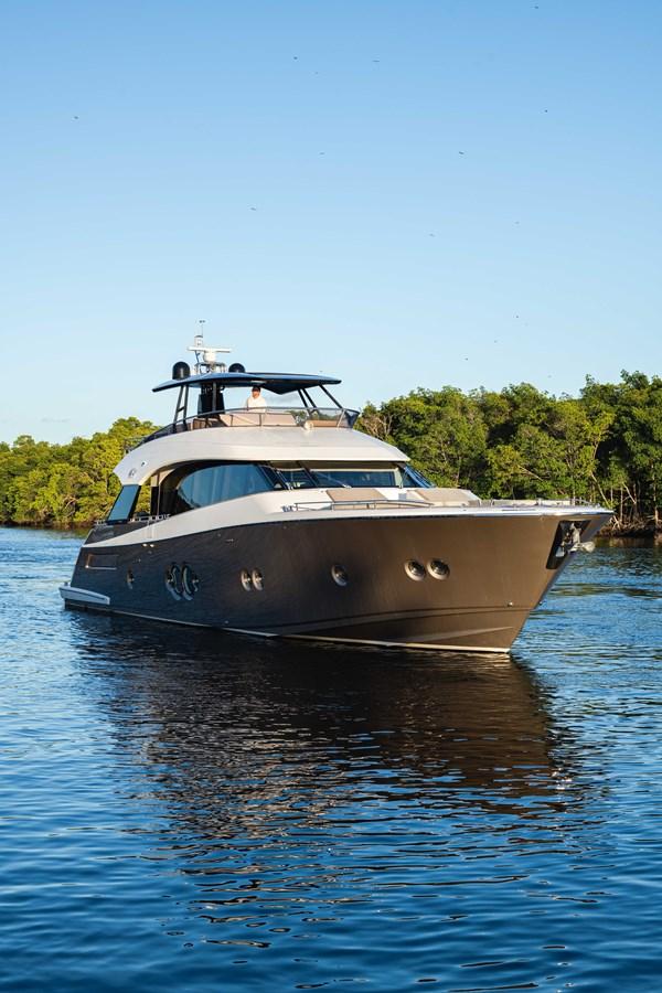 76 Monte Carlo (65 of 127) 2014 MONTE CARLO YACHTS Motoryacht Motor Yacht 2825005