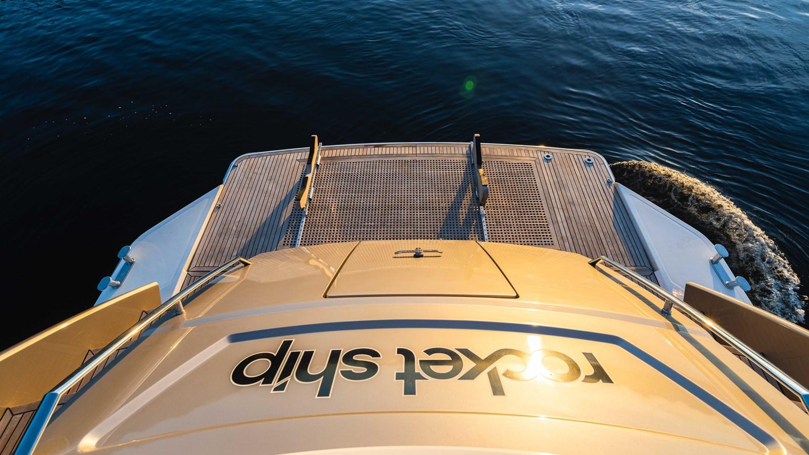 76 Monte Carlo (73 of 127) 2014 MONTE CARLO YACHTS Motoryacht Motor Yacht 2825051