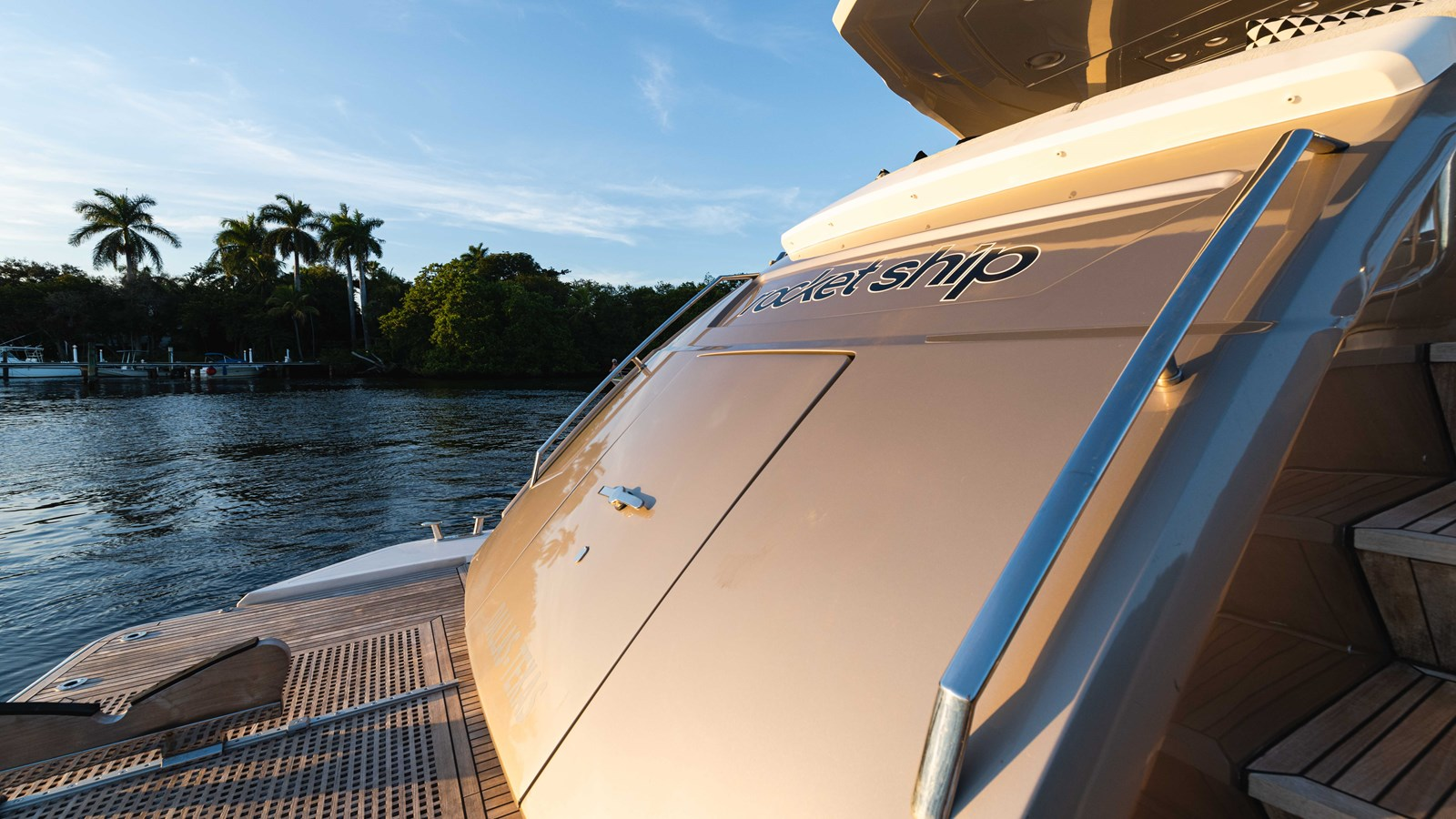 76 Monte Carlo (75 of 127) 2014 MONTE CARLO YACHTS Motoryacht Motor Yacht 2825053