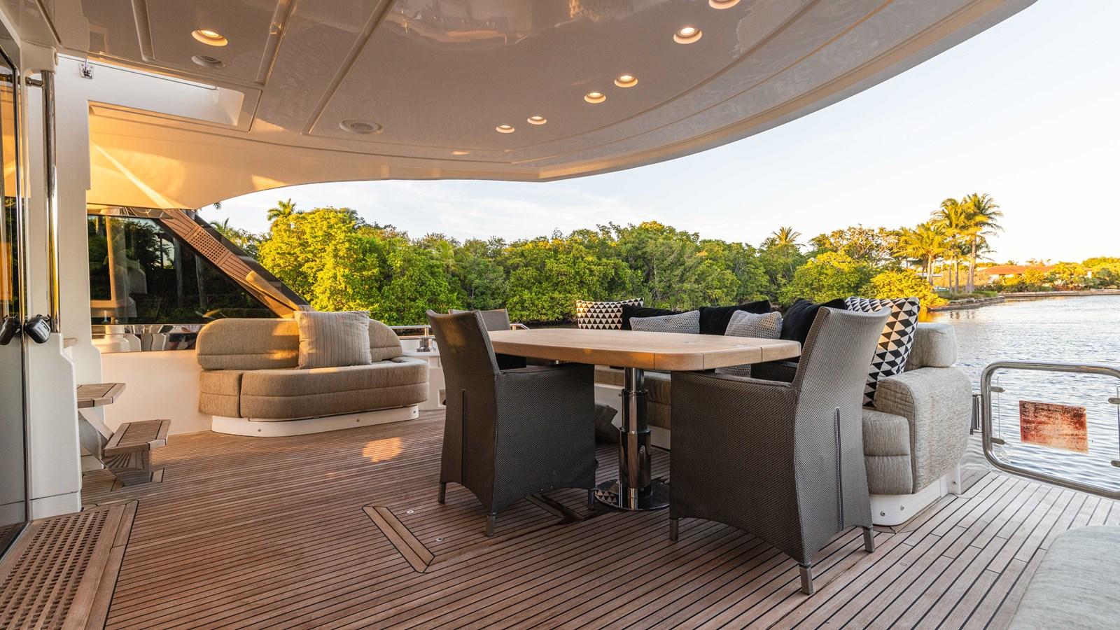 76 Monte Carlo (66 of 127) 2014 MONTE CARLO YACHTS Motoryacht Motor Yacht 2825060