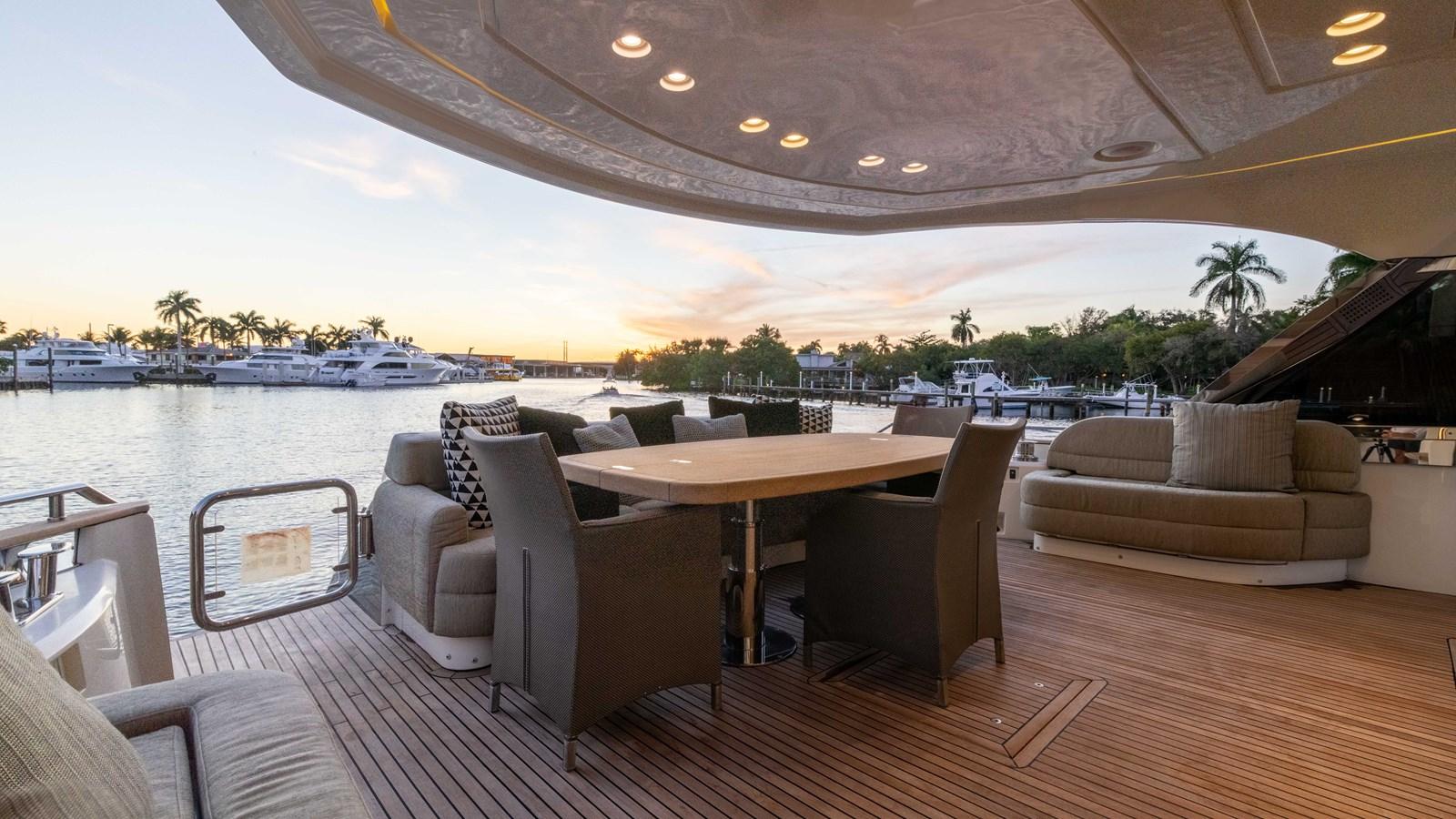 76 Monte Carlo (105 of 127) 2014 MONTE CARLO YACHTS Motoryacht Motor Yacht 2825065
