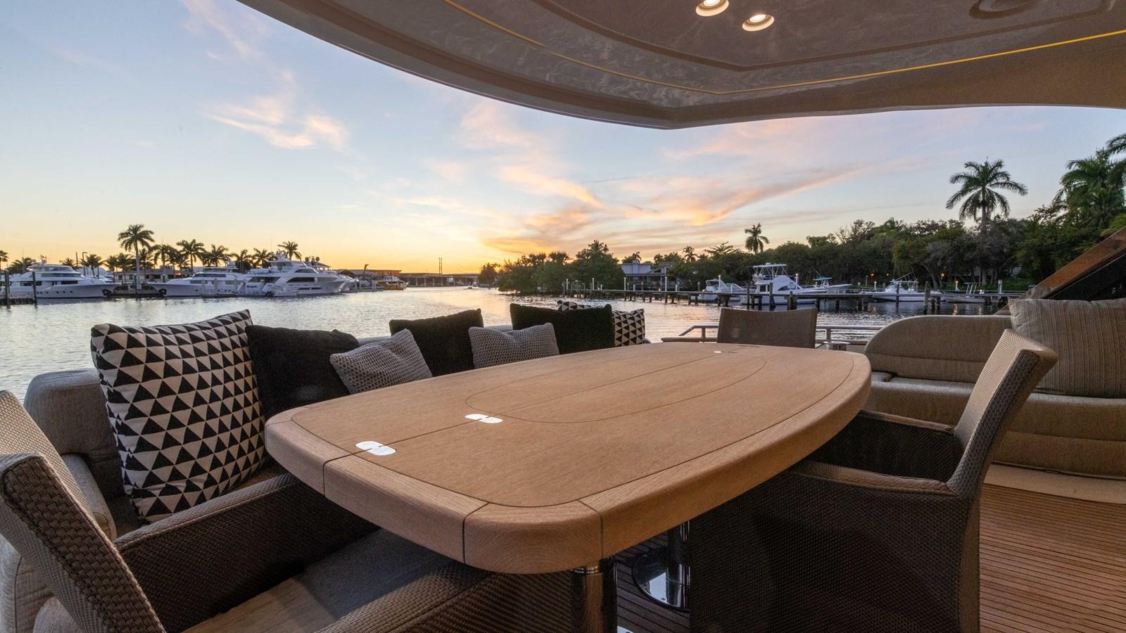 76 Monte Carlo (109 of 127) 2014 MONTE CARLO YACHTS Motoryacht Motor Yacht 2825067