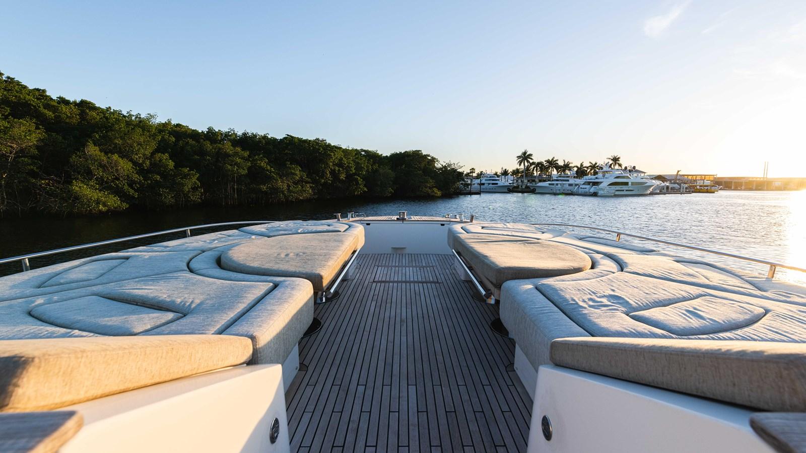 76 Monte Carlo (69 of 127) 2014 MONTE CARLO YACHTS Motoryacht Motor Yacht 2825078