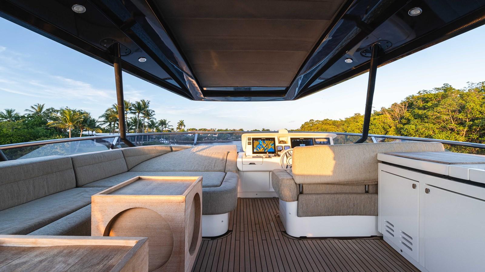 76 Monte Carlo (81 of 127) 2014 MONTE CARLO YACHTS Motoryacht Motor Yacht 2825106