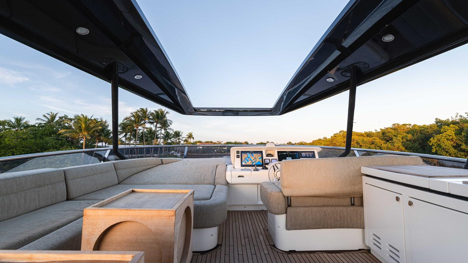 76 Monte Carlo (88 of 127) 2014 MONTE CARLO YACHTS Motoryacht Motor Yacht 2825114