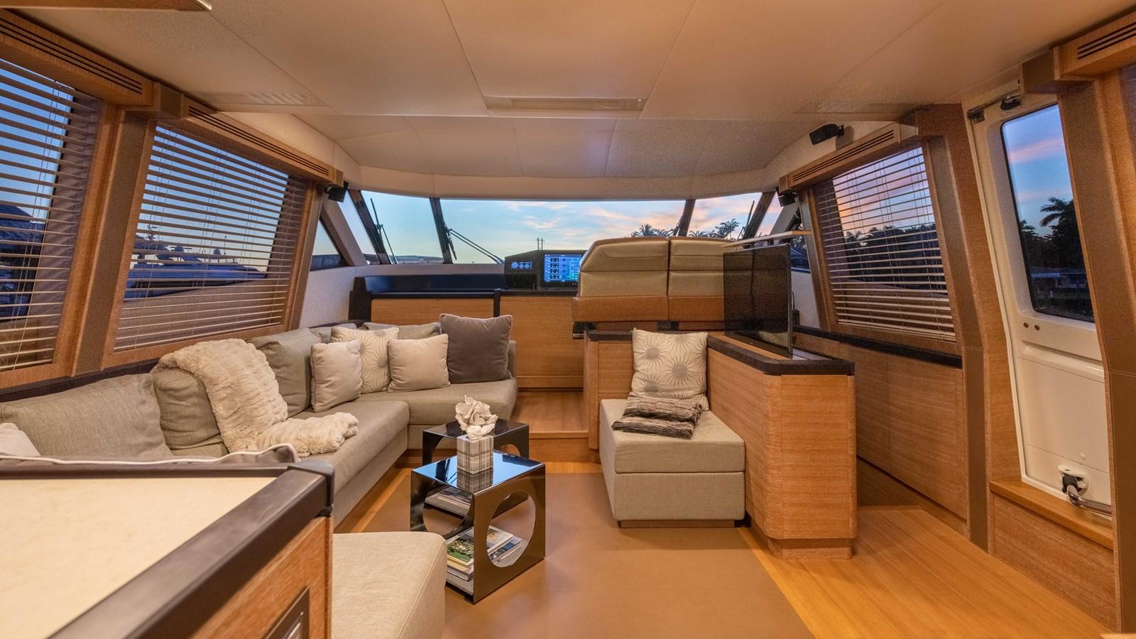 76 Monte Carlo (112 of 127) 2014 MONTE CARLO YACHTS Motoryacht Motor Yacht 2825127