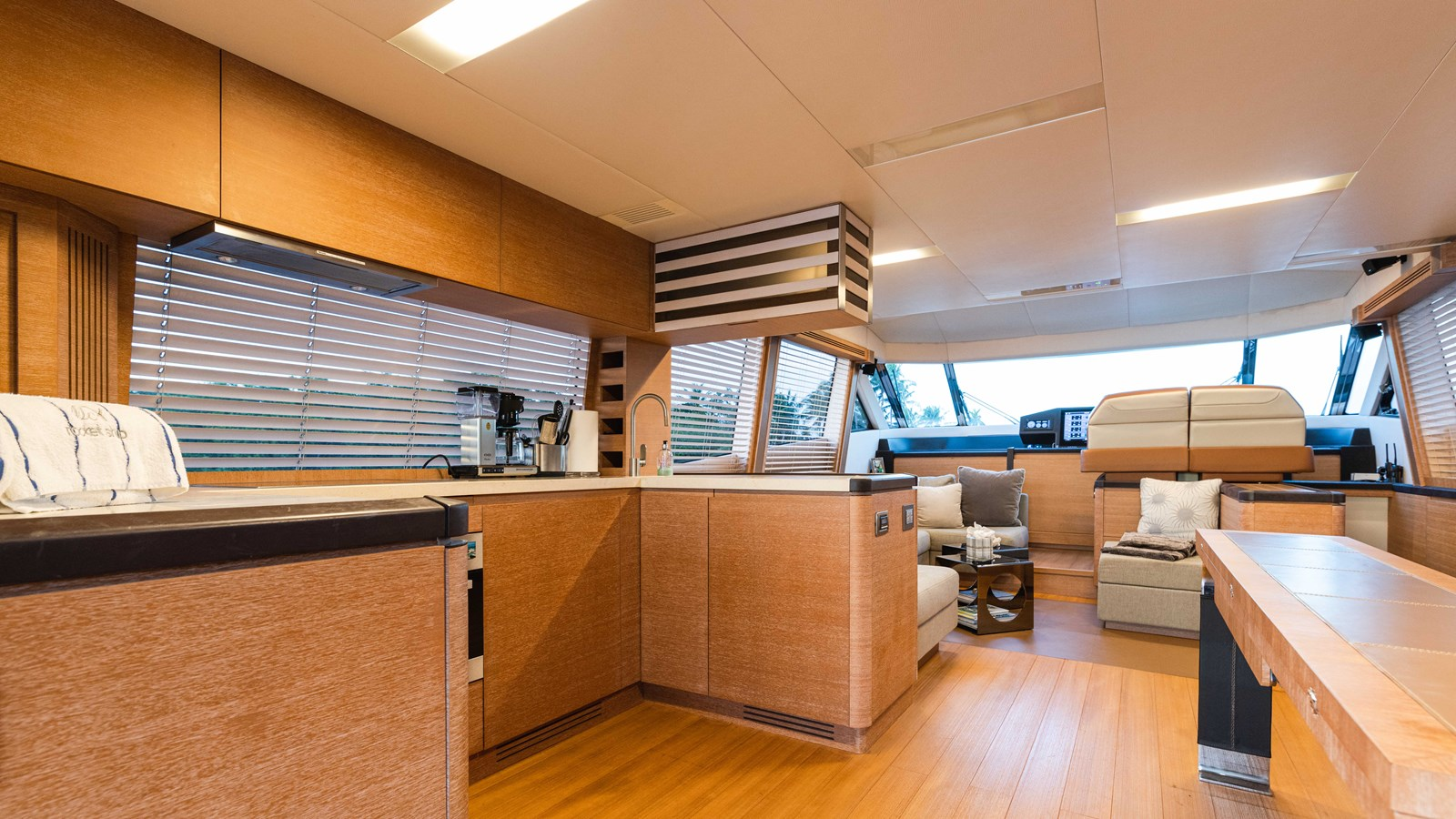 76 Monte Carlo (91 of 127) 2014 MONTE CARLO YACHTS Motoryacht Motor Yacht 2825138