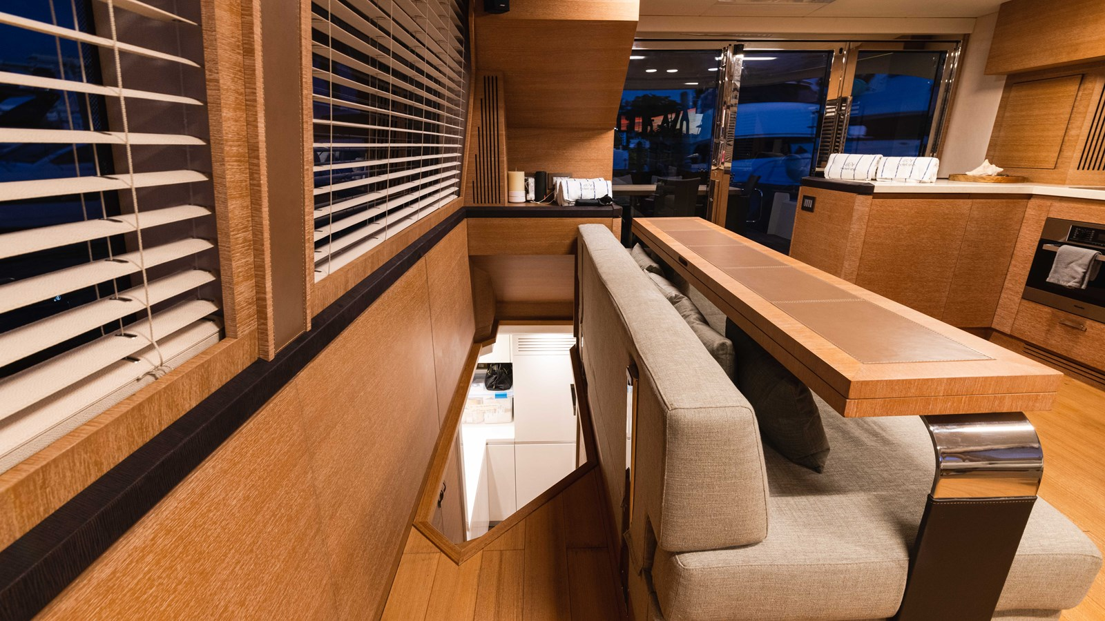 76 Monte Carlo (114 of 127) 2014 MONTE CARLO YACHTS Motoryacht Motor Yacht 2825267