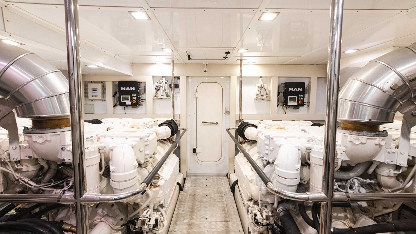 76 Monte Carlo (1 of 8) 2014 MONTE CARLO YACHTS Motoryacht Motor Yacht 2825283
