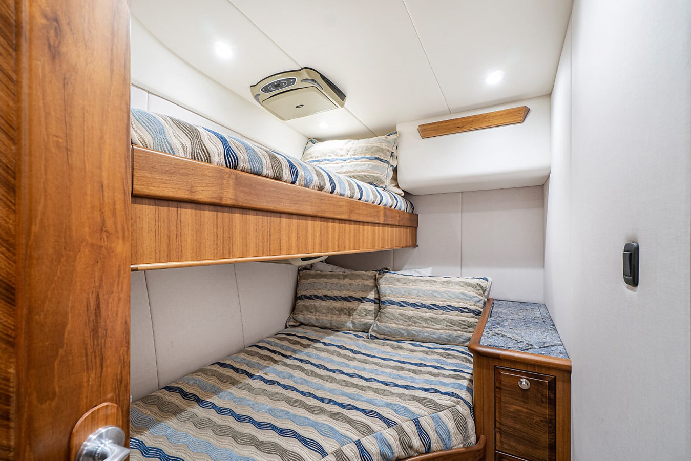 Guest Stateroom Starboard 2014 SPENCER YACHTS  Sport Fisherman 2826120