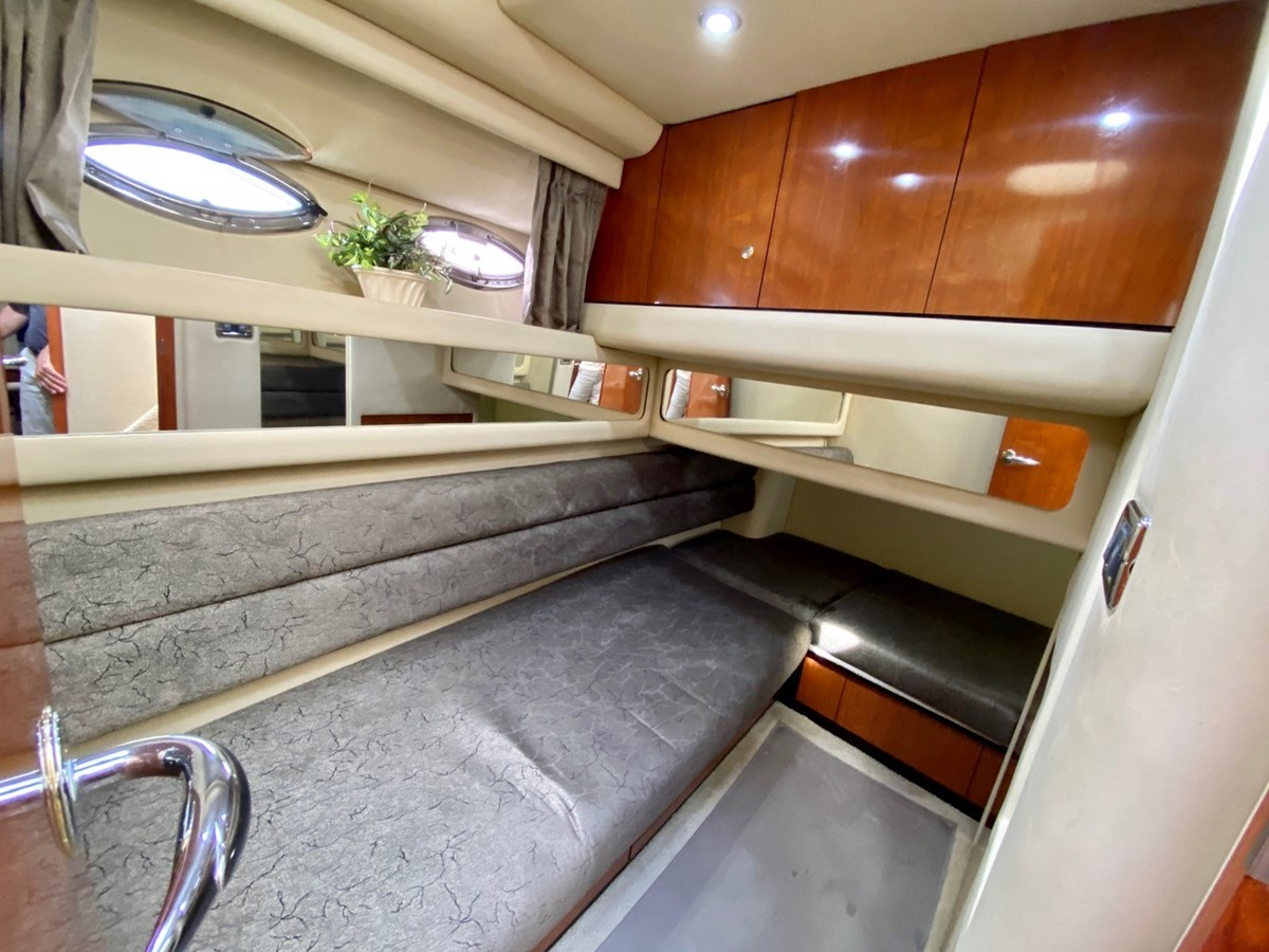 Guest Stateroom 2003 SEA RAY  Cruiser 2837810