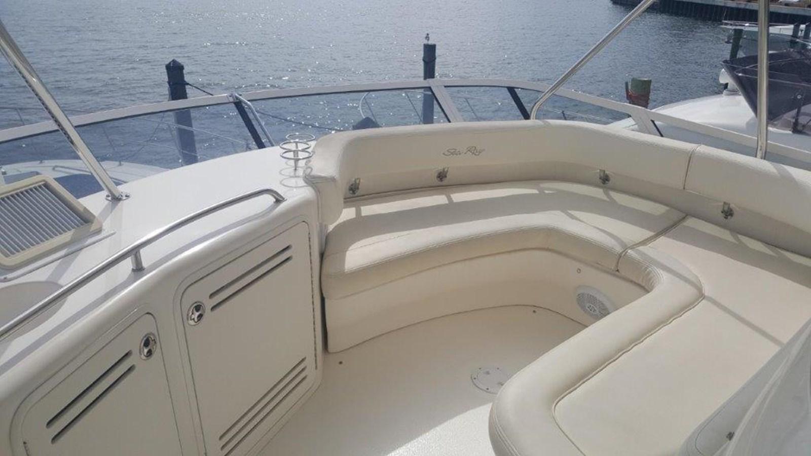 Bridge Seating 2003 SEA RAY  Cruiser 2844557