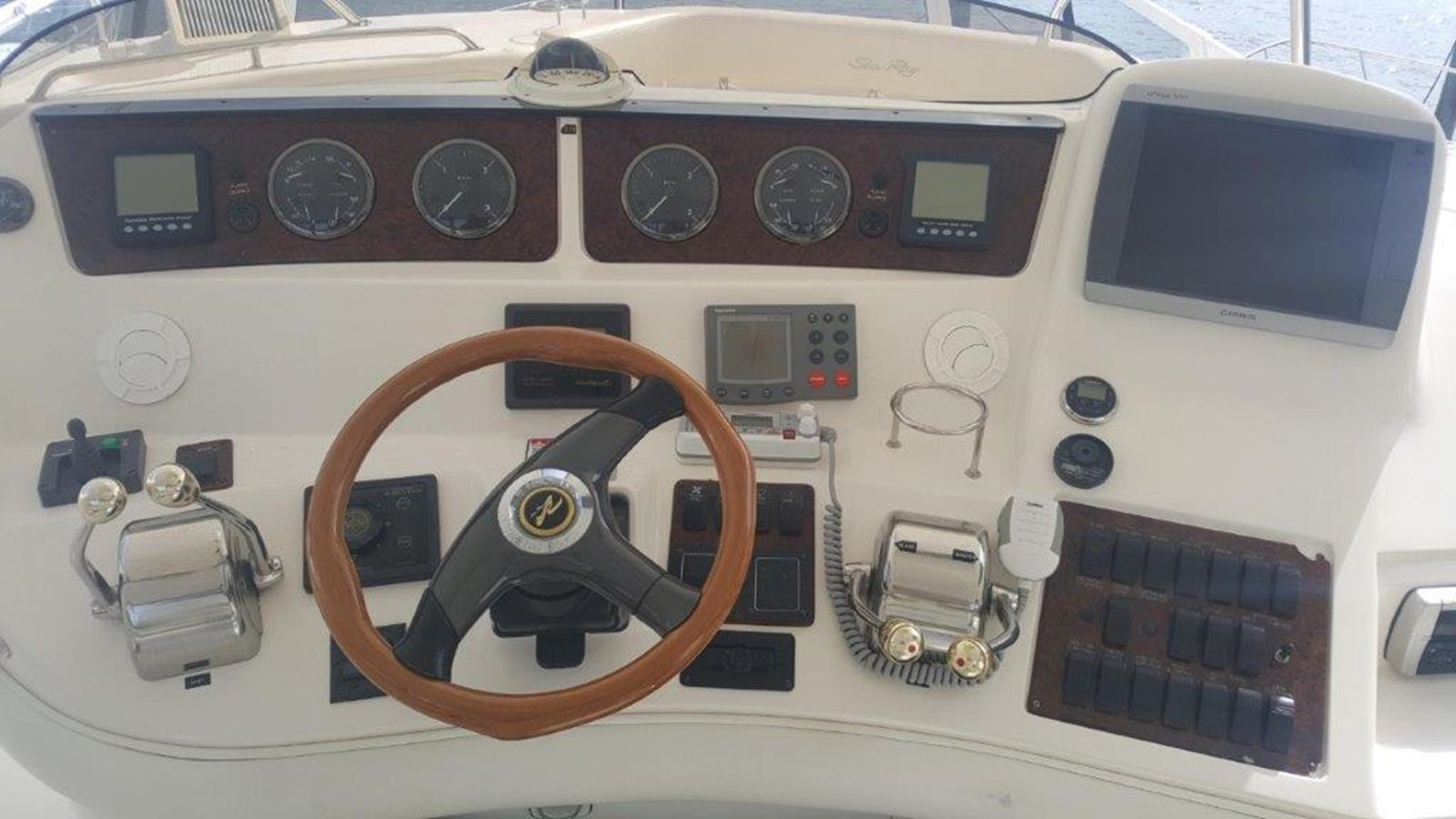 Helm 2003 SEA RAY  Cruiser 2844558
