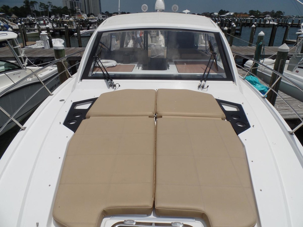 2015 Cruisers Yachts 390 EC Motor Yacht 2830087