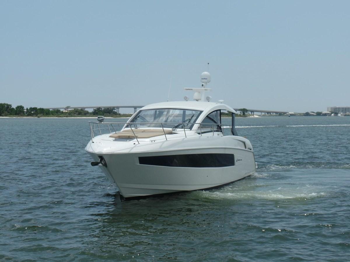 2015 Cruisers Yachts 390 EC Motor Yacht 2830089