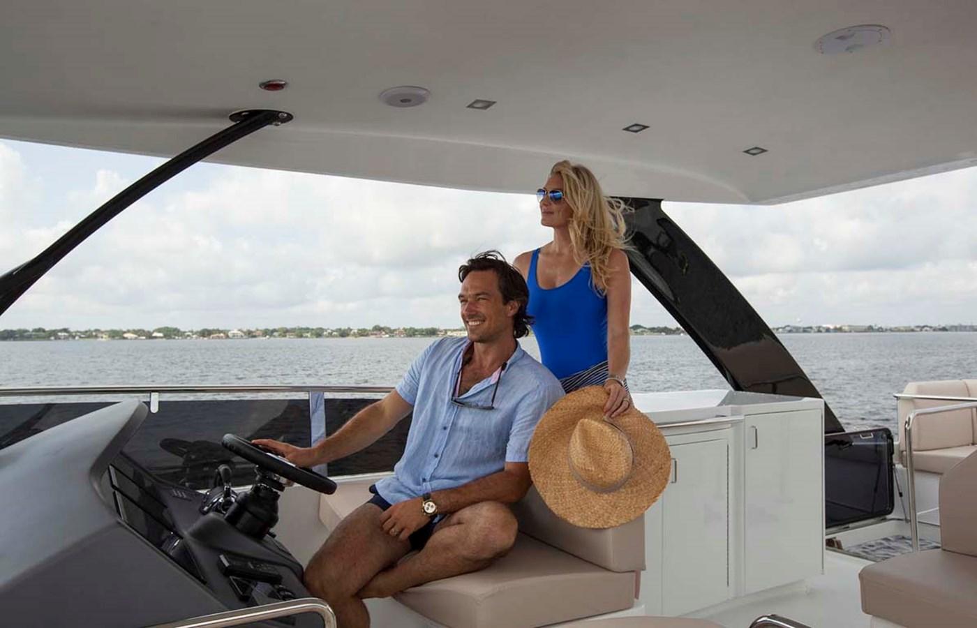 12 Upper Helm Area 2020 DYNA 63 Motor Yacht 2957171