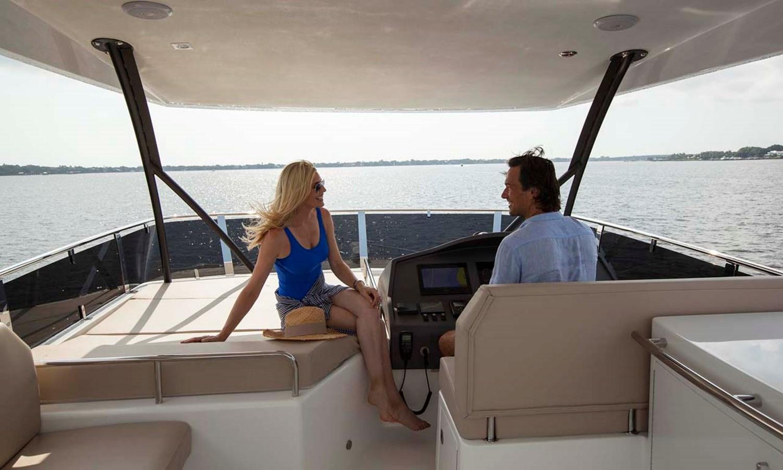 13 Upper Helm Area 2020 DYNA 63 Motor Yacht 2957172