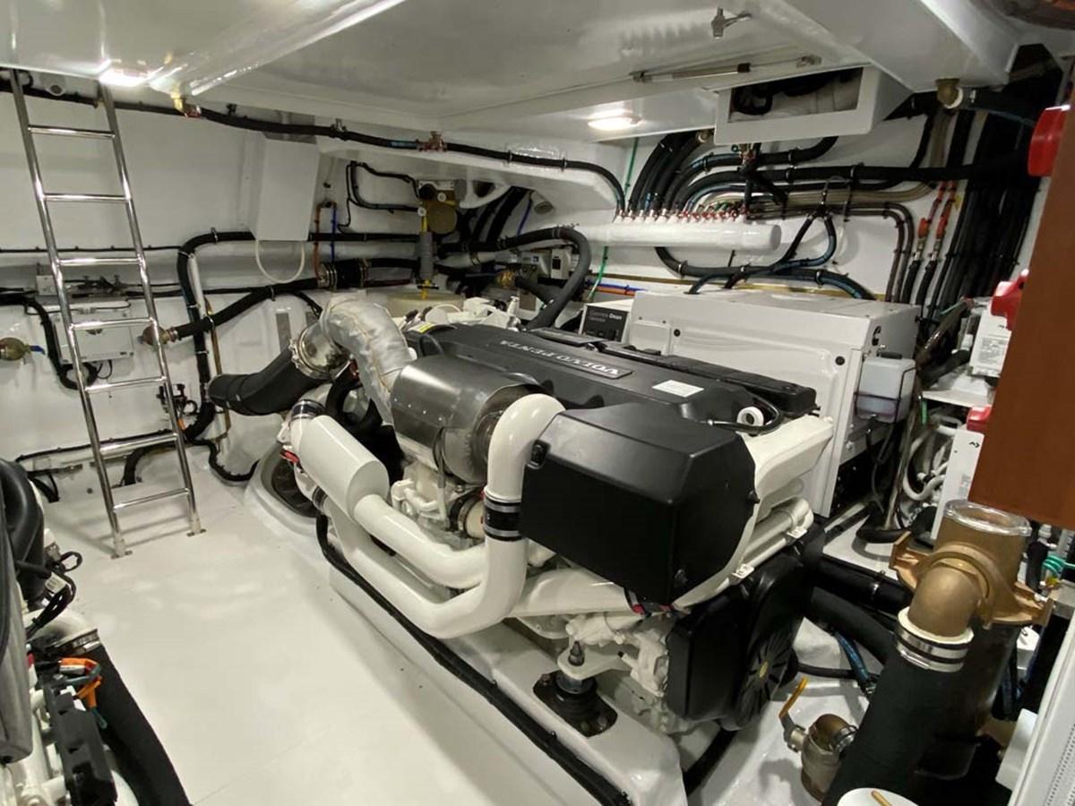 Port Engine 2020 DYNA 63 Motor Yacht 2957180